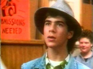 The Degrassi Junior High Gallery on YCDTOTV.de   Path: www.YCDTOT.de/djh_img/a9_053.jpg