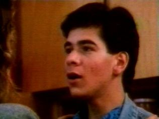 The Degrassi Junior High Gallery on YCDTOTV.de   Path: www.YCDTOT.de/djh_img/b1_112.jpg