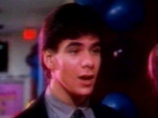 The Degrassi Junior High Gallery on YCDTOTV.de   Path: www.YCDTOT.de/djh_img/b1_120.jpg