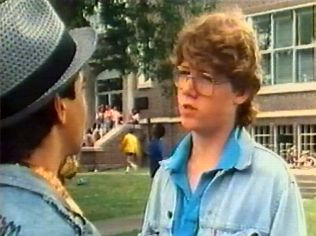 The Degrassi Junior High Gallery on YCDTOTV.de   Path: www.YCDTOT.de/djh_img/e1_180.jpg