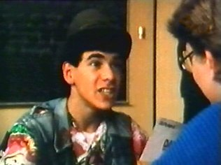 The Degrassi Junior High Gallery on YCDTOTV.de   Path: www.YCDTOT.de/djh_img/f2_002.jpg