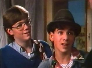 The Degrassi Junior High Gallery on YCDTOTV.de   Path: www.YCDTOT.de/djh_img/f2_025.jpg